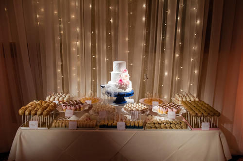 Cake by Cake Goodness, set off my draping and lighting by LM Event Productions