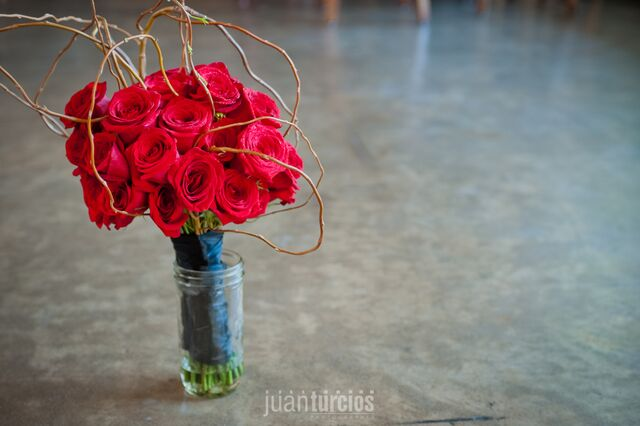 latins peakeasy wedding bouquet