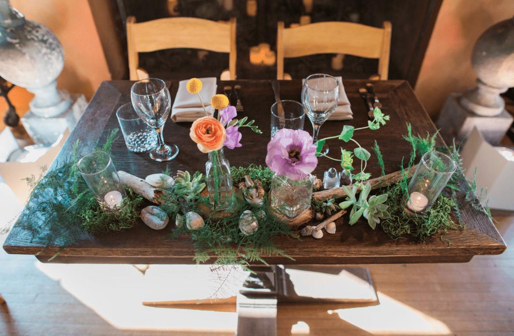 sweetheart table fern rocks coral lavendar lisianthus